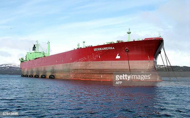 A picture taken 16 May 2006 shows the 'Rosneft' oil tanker 'Belokamenka' anchored in Kola bay near the Russian nothern seaport of Murmansk The...