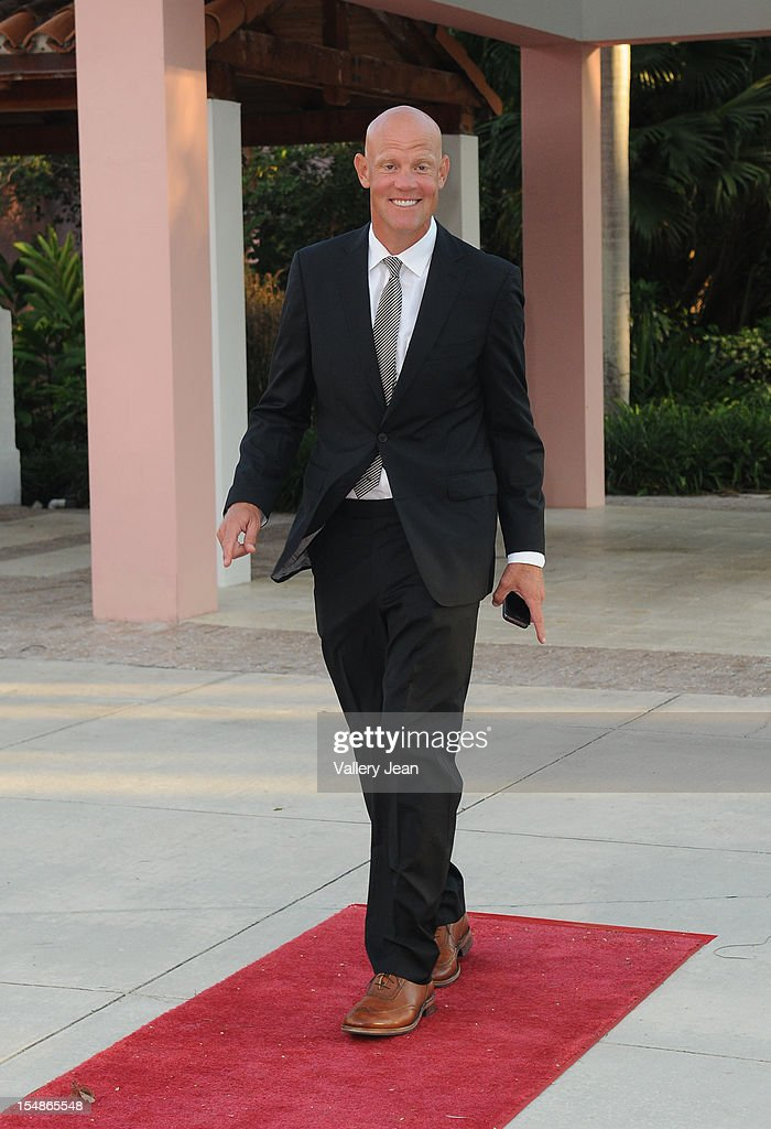 <a gi-track='captionPersonalityLinkClicked' href=/galleries/search?phrase=Murphy+Jensen&family=editorial&specificpeople=736484 ng-click='$event.stopPropagation()'>Murphy Jensen</a> arrives at 23rd Annual Chris Evert/Raymond James Pro-Celebrity Tennis Classic Gala at Boca Raton Resort on October 27, 2012 in Boca Raton, Florida.