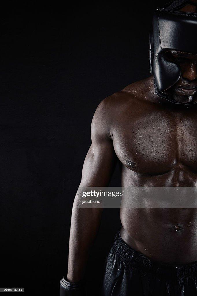 Corpo Muscular boxer macho africano : Foto de stock