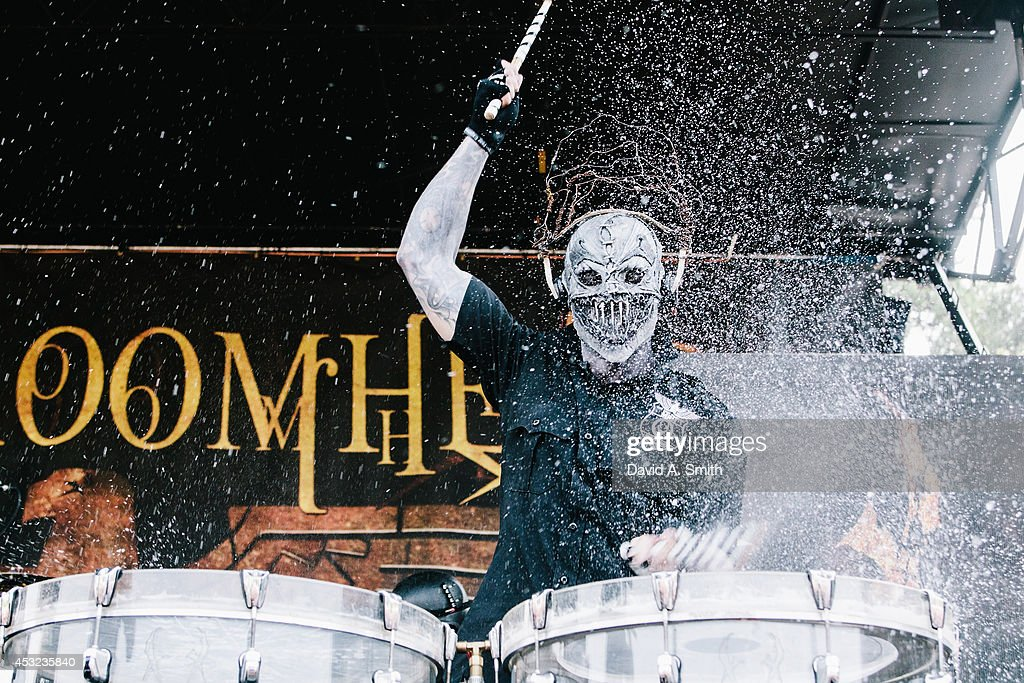 <a gi-track='captionPersonalityLinkClicked' href=/galleries/search?phrase=Mushroomhead&family=editorial&specificpeople=3179793 ng-click='$event.stopPropagation()'>Mushroomhead</a> performs at the Rockstar Energy Drink Mayhem Festival at Lakewood Amphitheatre on August 5, 2014 in Atlanta, Georgia.