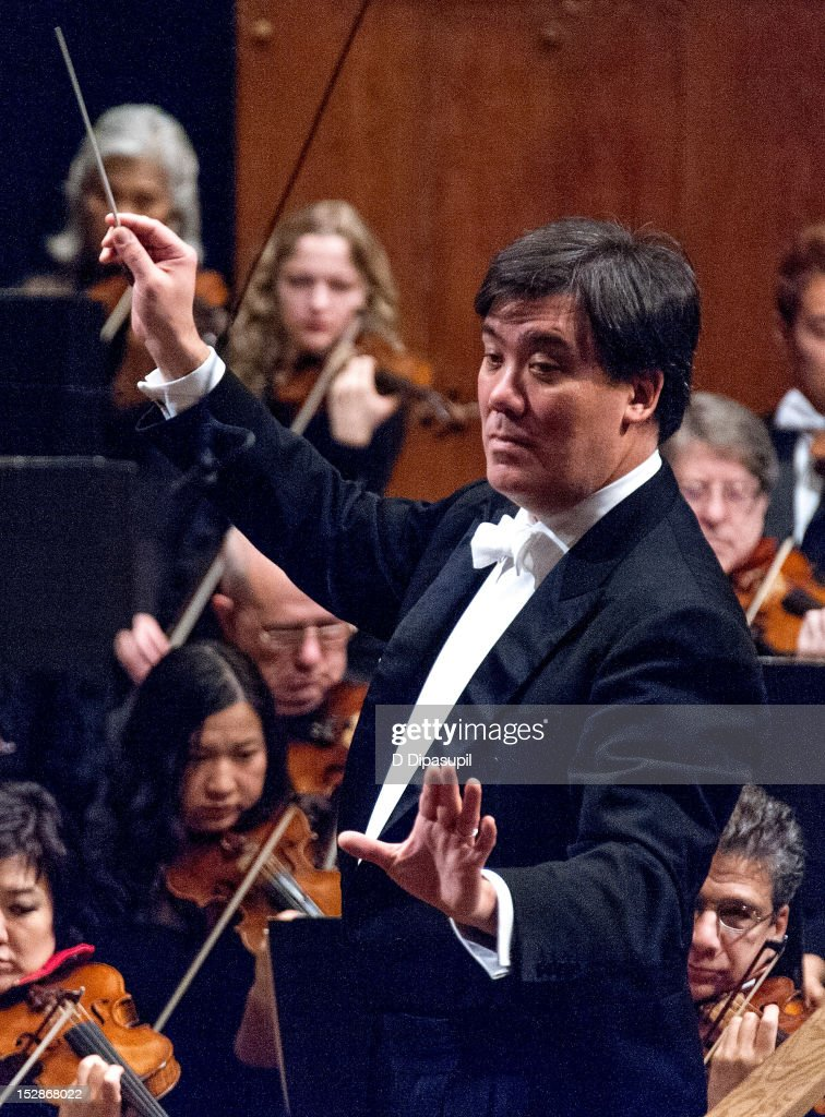 Music Director Alan Gilbert conducts the New York Philharmonic 171st season opening gala at Avery Fisher Hall at Lincoln Center for the Performing Arts on September 27, 2012 in New York City.