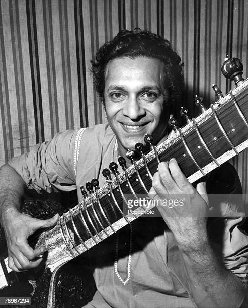 1966 Indian musician Ravi Shankar the sitar virtuoso