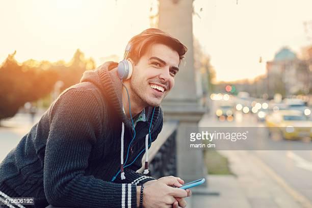 - Musik