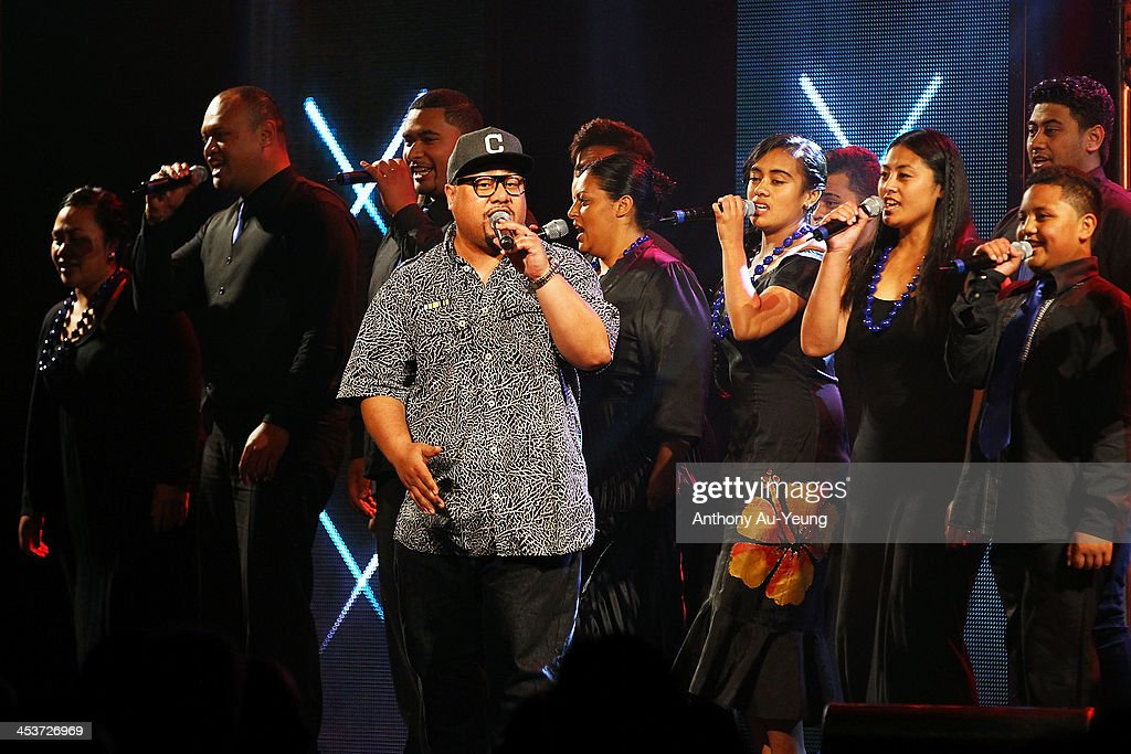 Musical Artist Che Fu peforms during the 2013 Steinlager Rugby Awards at SkyCity Convention Centre on December 5, 2013 in Auckland, New Zealand.