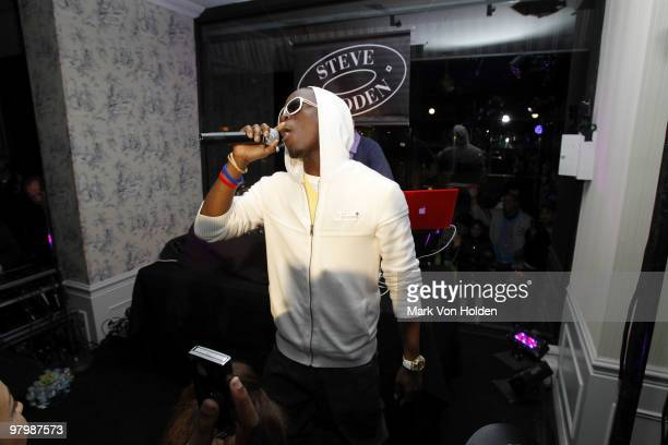 Musical artist Iyaz performs at the Steven by Steve Madden on March 23 2010 in New York City