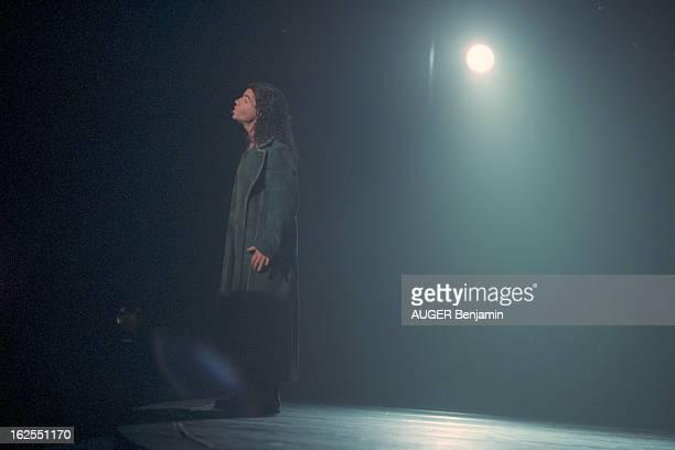 'Notre Dame De Paris' By Luc Plamondon And Richard Cocciante Paris décembre 1998 'NOTREDAME DE PARIS' spectacle musical de Luc PLAMONDON et Richard...