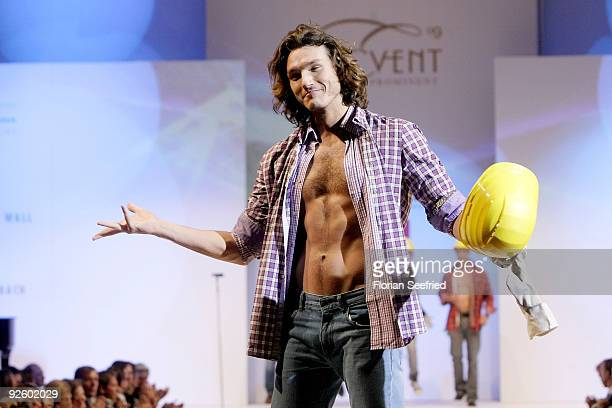 Musical singer Pepe Munoz walks down the runway at the 'Event Prominent 2009' fashion show at the Hotel Grand Elysee on November 1 2009 in Hamburg...