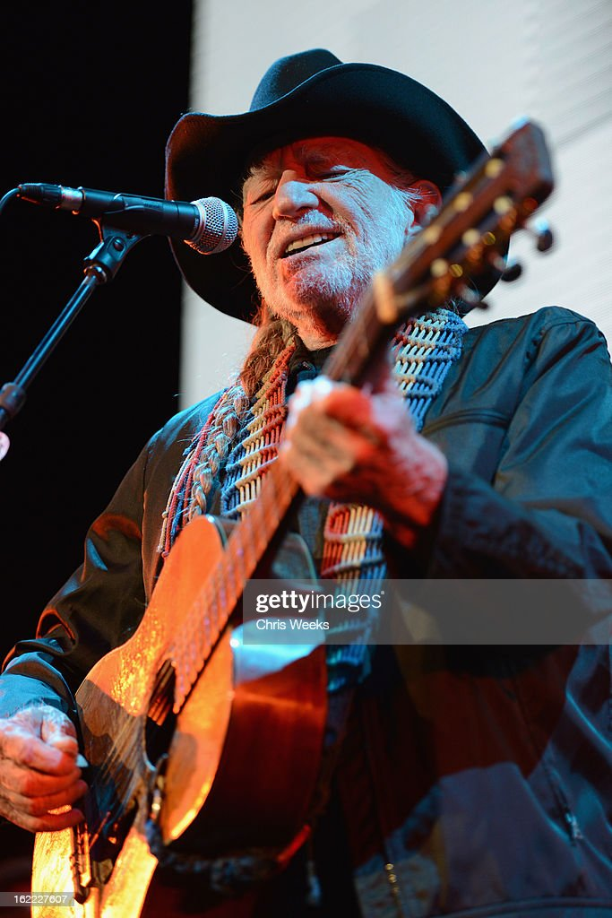Musican <a gi-track='captionPersonalityLinkClicked' href=/galleries/search?phrase=Willie+Nelson&family=editorial&specificpeople=203154 ng-click='$event.stopPropagation()'>Willie Nelson</a> performs on stage during Global Green USA's 10th Annual Pre-Oscar Party at Avalon on February 20, 2013 in Hollywood, California.