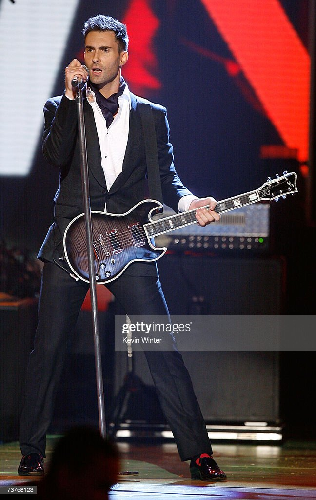 Musician Adam Levine of the band Maroon 5 performs onstage during the 20th Annual Kid's Choice Awards held at the UCLA Pauley Pavilion on March 31, 2007 in Westwood, California.