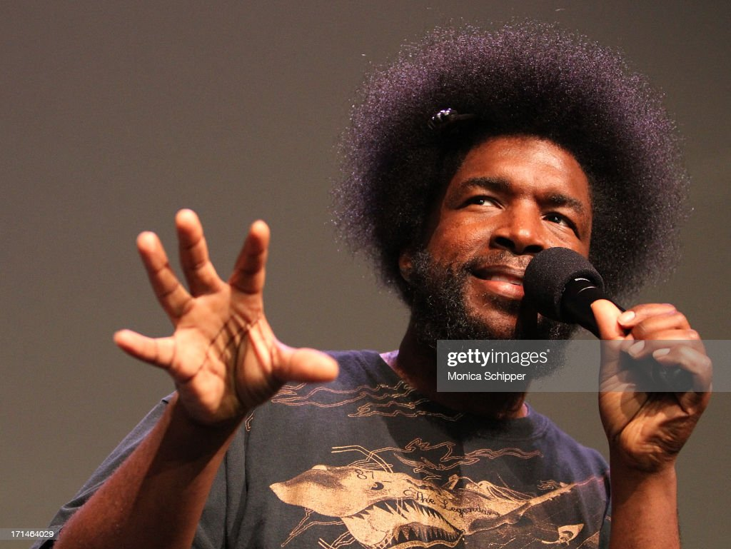Musician Ahmir '<a gi-track='captionPersonalityLinkClicked' href=/galleries/search?phrase=Questlove&family=editorial&specificpeople=537550 ng-click='$event.stopPropagation()'>Questlove</a>' Thompson of The Roots attends Meet The Author: Ahmir '<a gi-track='captionPersonalityLinkClicked' href=/galleries/search?phrase=Questlove&family=editorial&specificpeople=537550 ng-click='$event.stopPropagation()'>Questlove</a>' Thompson 'Mo' Meta Blues' at the Apple Store Soho on June 24, 2013 in New York City.