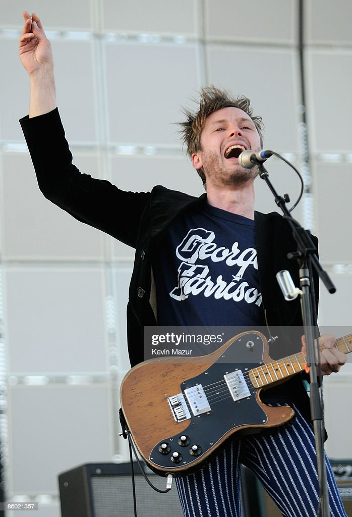 Musician Alex Kapranos of the band Franz Ferdinand performs during day 1 of the Coachella Valley Music & Arts Festival 2009 at the the Empire Polo Club on April 17, 2009 in Indio, California.