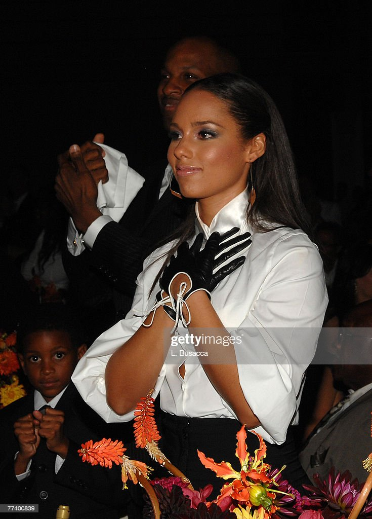 NEW YORK SEPTEMBER 26 Musician Alicia Keys during the Recording Academy New York Chapter's Tribute to Bon Jovi Alicia Keys Donnie McClurkin and the...