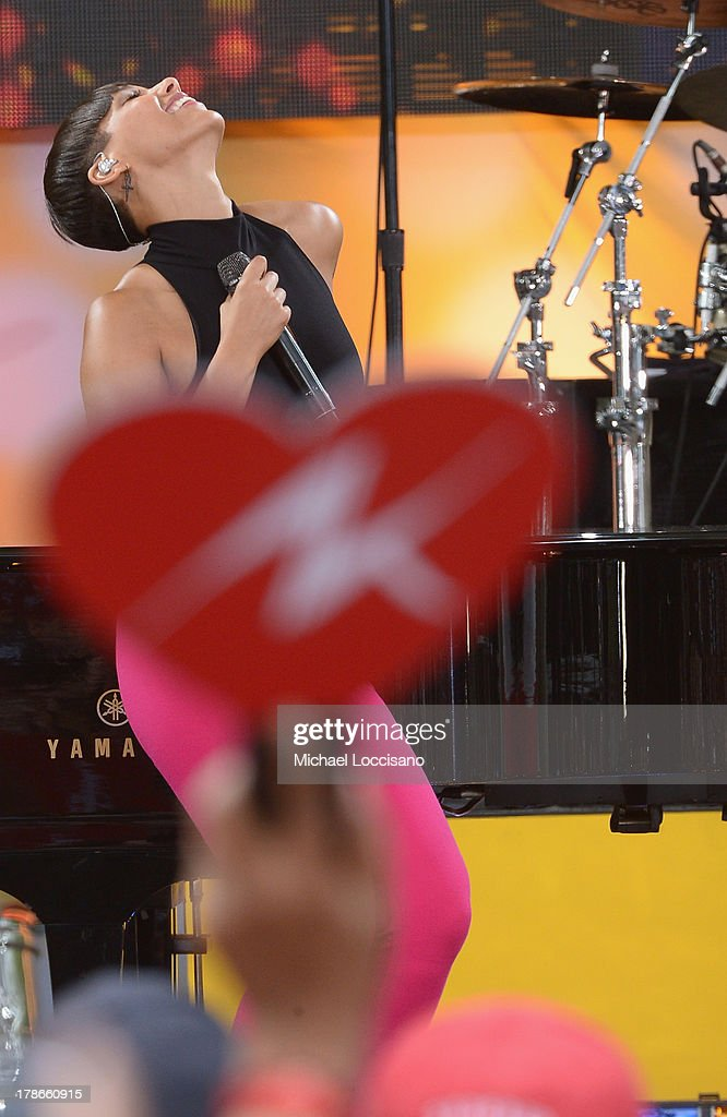 Musician <a gi-track='captionPersonalityLinkClicked' href=/galleries/search?phrase=Alicia+Keys&family=editorial&specificpeople=169877 ng-click='$event.stopPropagation()'>Alicia Keys</a> performs on ABC's 'Good Morning America' at Rumsey Playfield on August 30, 2013 in New York City.