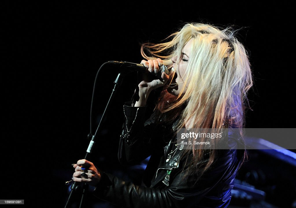 Musician Alison Mosshart performs on stage during Life Along The Borderline: A Tribute To Nico at BAM on January 16, 2013 in New York City.