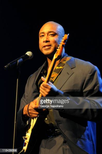 Musician and former New York Yankees baseball player Bernie Williams performs at 'Divas With Heart' at Radio City Music Hall on May 4 2008 in New...
