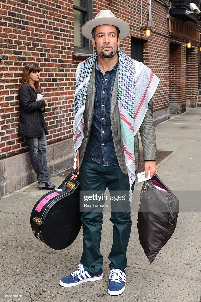 Musician <a gi-track='captionPersonalityLinkClicked' href=/galleries/search?phrase=Ben+Harper&family=editorial&specificpeople=206209 ng-click='$event.stopPropagation()'>Ben Harper</a> enters the 'Late Show With David Letterman' taping at the Ed Sullivan Theater on May 8, 2013 in New York City.