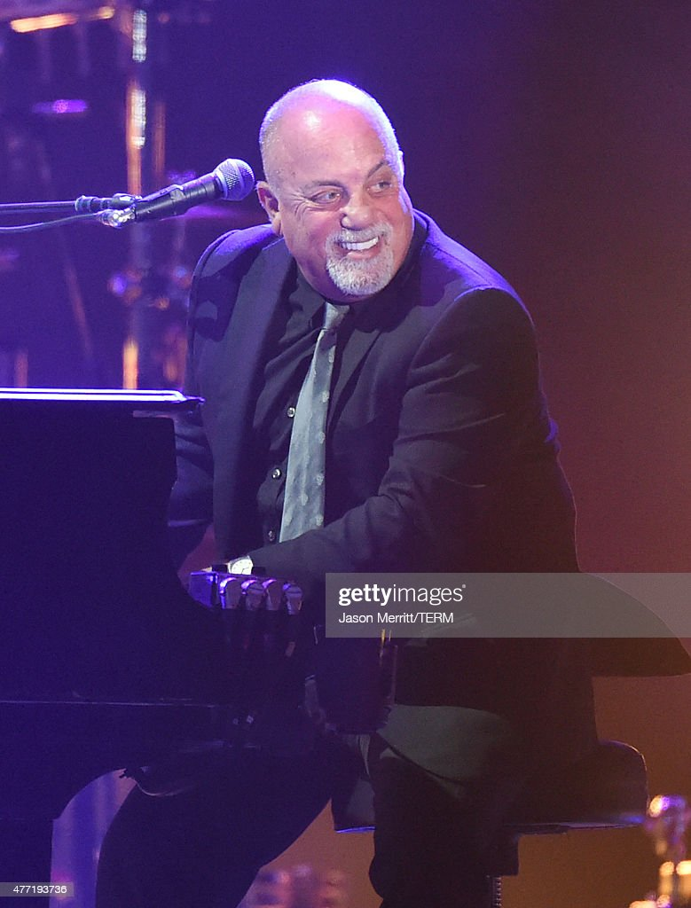 Musician <a gi-track='captionPersonalityLinkClicked' href=/galleries/search?phrase=Billy+Joel&family=editorial&specificpeople=203097 ng-click='$event.stopPropagation()'>Billy Joel</a> performs onstage at What Stage during Day 4 of the 2015 Bonnaroo Music And Arts Festival on June 14, 2015 in Manchester, Tennessee.