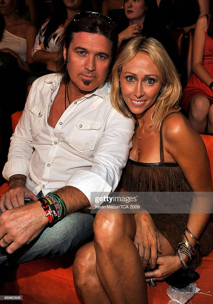 Musician <a gi-track='captionPersonalityLinkClicked' href=/galleries/search?phrase=Billy+Ray+Cyrus&family=editorial&specificpeople=213601 ng-click='$event.stopPropagation()'>Billy Ray Cyrus</a> and Tish Cyrus during the Teen Choice Awards 2009 held at the Gibson Amphitheatre on August 9, 2009 in Universal City, California.