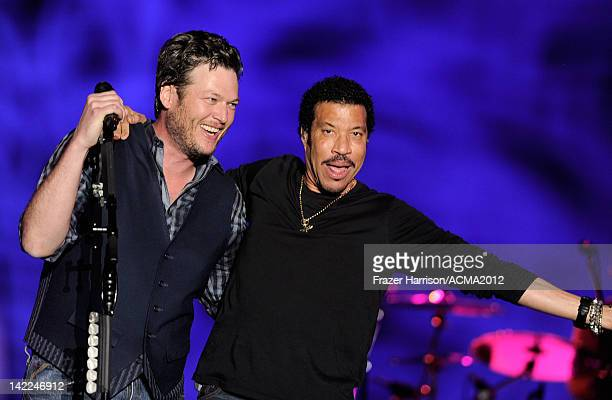 Musician Blake Shelton and singer Lionel Richie perform onstage during Dr Pepper Private Performance Featuring Blake Shelton at the MGM Grand...