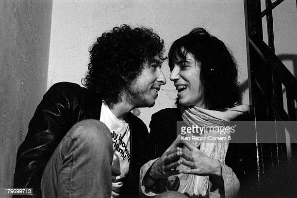 Musician Bob Dylan and Patti Smith are photographed at a party during the Rolling Thunder Revue in October 1975 in New York City CREDIT MUST READ Ken...