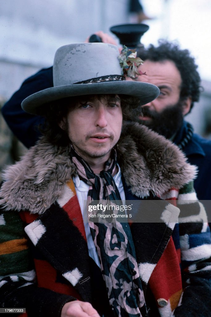 Musician <a gi-track='captionPersonalityLinkClicked' href=/galleries/search?phrase=Bob+Dylan&family=editorial&specificpeople=203289 ng-click='$event.stopPropagation()'>Bob Dylan</a> is photographed during the Rolling Thunder Revue in December 1975 in Bangor, Maine.