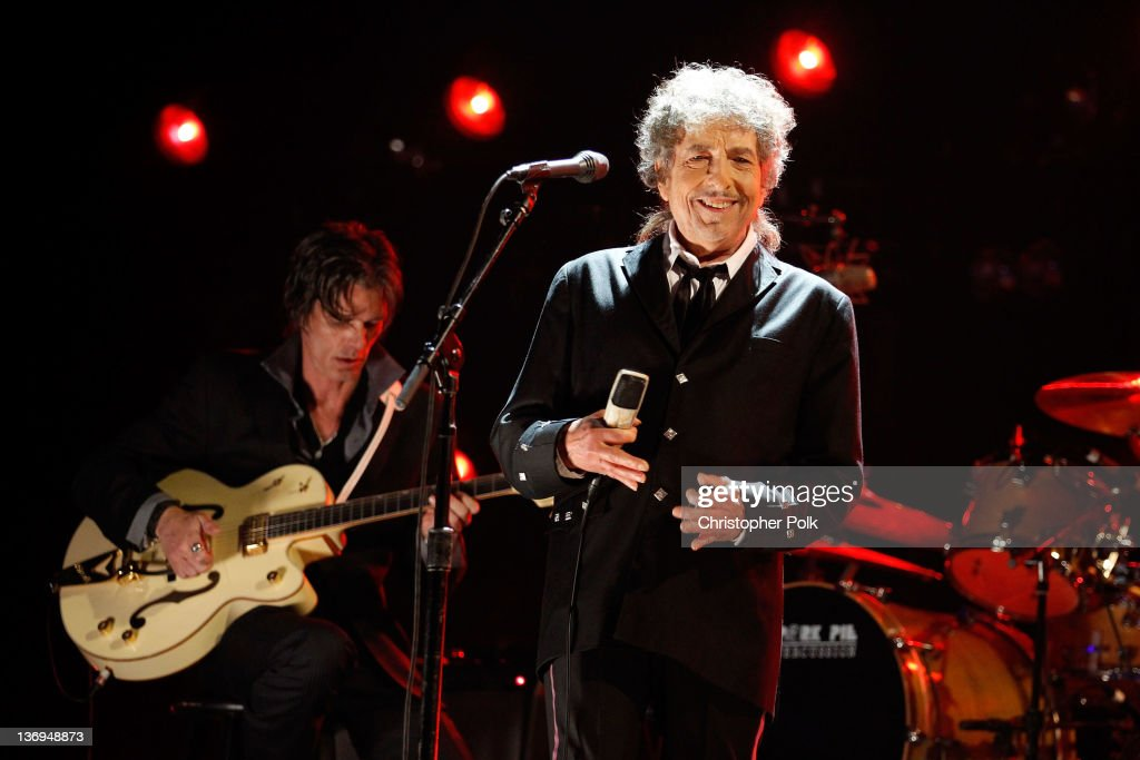 Musician <a gi-track='captionPersonalityLinkClicked' href=/galleries/search?phrase=Bob+Dylan&family=editorial&specificpeople=203289 ng-click='$event.stopPropagation()'>Bob Dylan</a> onstage during the 17th Annual Critics' Choice Movie Awards held at The Hollywood Palladium on January 12, 2012 in Los Angeles, California.