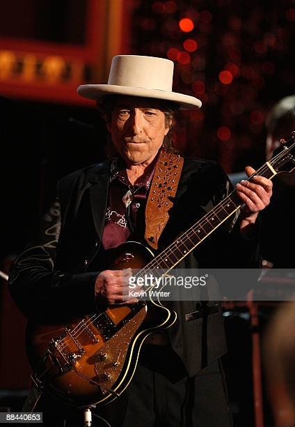 Musician Bob Dylan performs onstage during the AFI Life Achievement Award A Tribute to Michael Douglas at Sony Pictures Studios on June 11 2009 in...