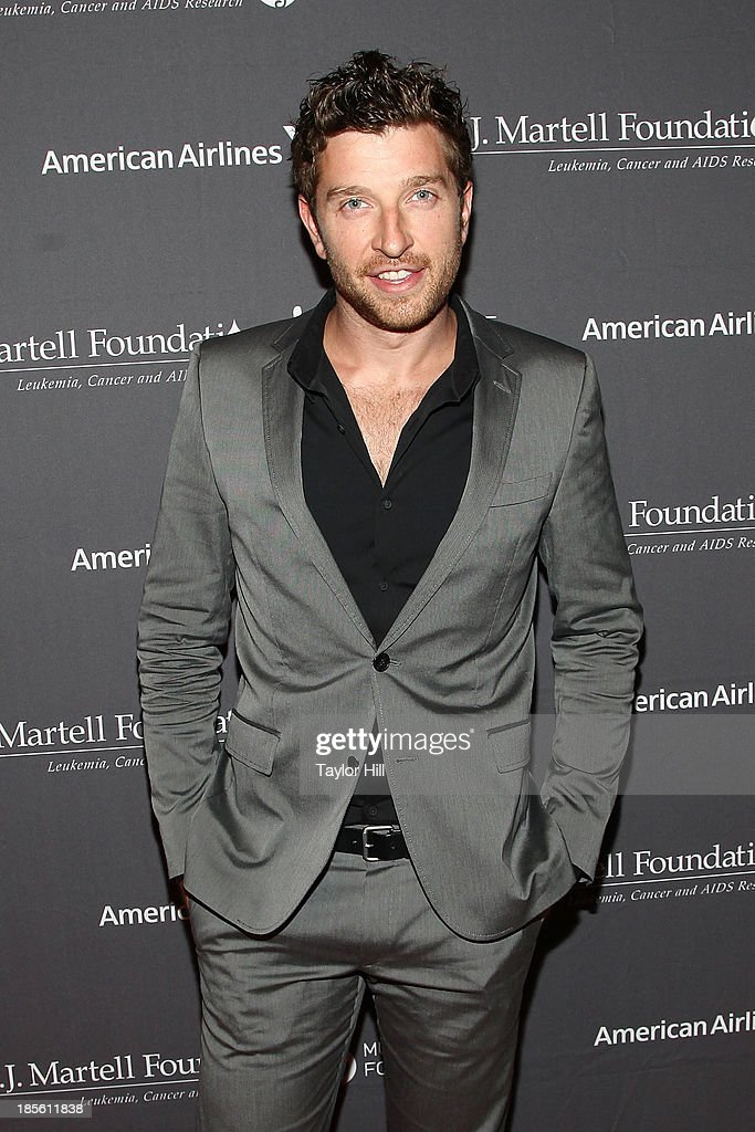 Musician <a gi-track='captionPersonalityLinkClicked' href=/galleries/search?phrase=Brett+Eldredge&family=editorial&specificpeople=7334271 ng-click='$event.stopPropagation()'>Brett Eldredge</a> attends T.J. Martell Foundation's 38th Annual Honors Gala at Cipriani 42nd Street on October 22, 2013 in New York City.