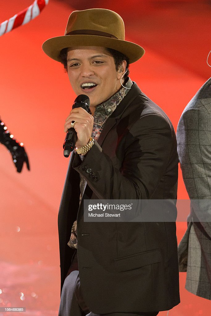Musician Bruno Mars performs during the 2012 Victoria's Secret Fashion Show at the Lexington Avenue Armory on November 7, 2012 in New York City.