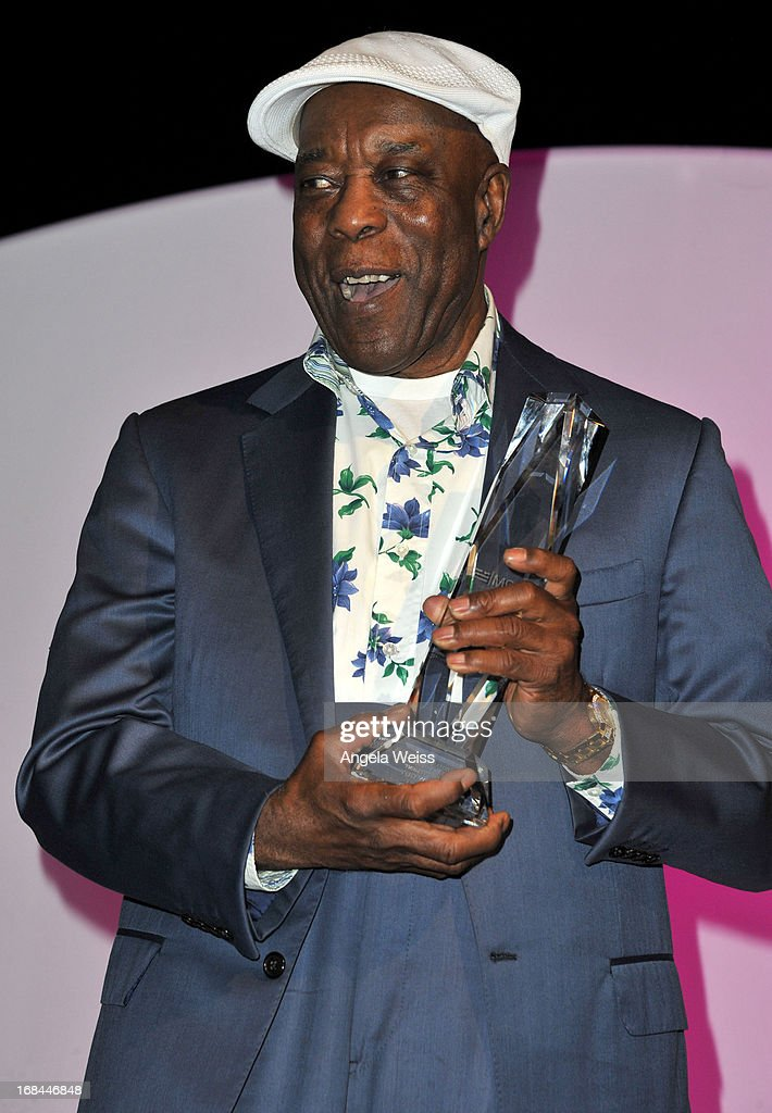 Musician <a gi-track='captionPersonalityLinkClicked' href=/galleries/search?phrase=Buddy+Guy&family=editorial&specificpeople=215438 ng-click='$event.stopPropagation()'>Buddy Guy</a> accepts the 2013 Chairmans Award for Sustained Creative Achievemnet attends the 2013 Music Biz Awards presented by NARM and digitalmusic.org at the Hyatt Regency Century Plaza on May 9, 2013 in Century City, California.