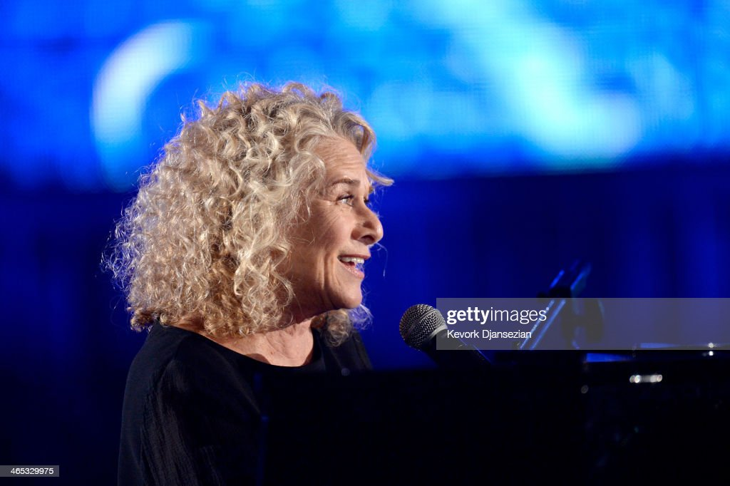 Musician <a gi-track='captionPersonalityLinkClicked' href=/galleries/search?phrase=Carole+King+-+Musician&family=editorial&specificpeople=211440 ng-click='$event.stopPropagation()'>Carole King</a> performs onstage during the 56th GRAMMY Awards at Staples Center on January 26, 2014 in Los Angeles, California.