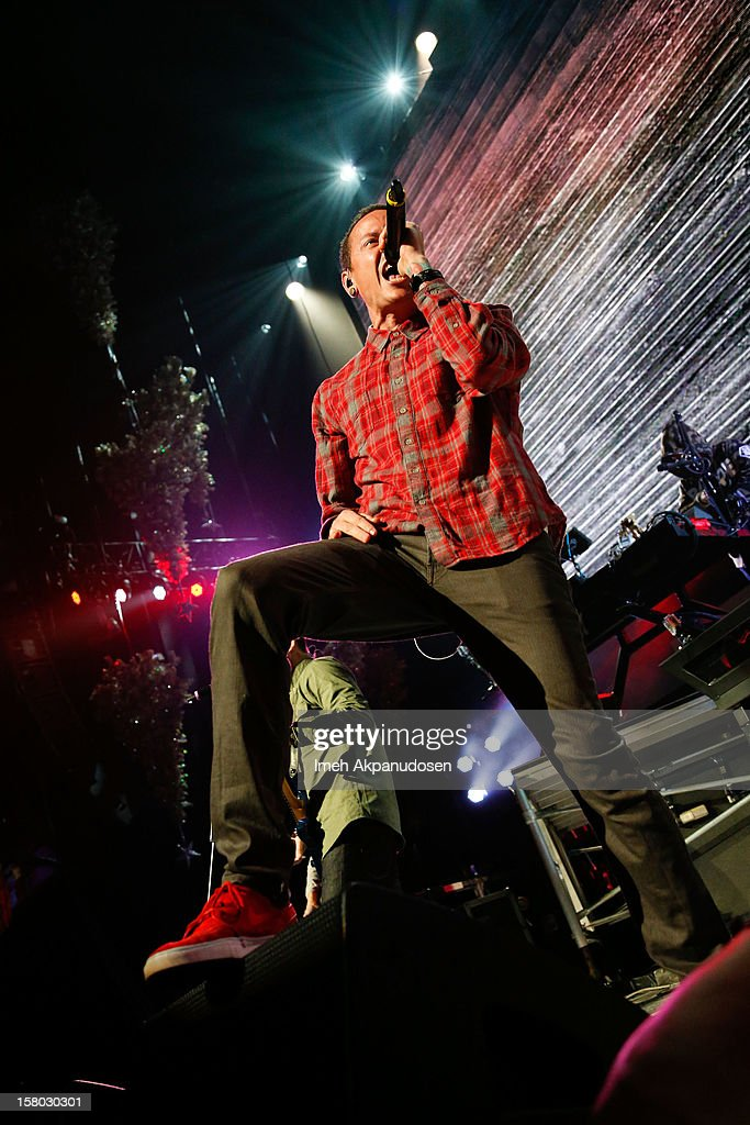Musician <a gi-track='captionPersonalityLinkClicked' href=/galleries/search?phrase=Chester+Bennington&family=editorial&specificpeople=213970 ng-click='$event.stopPropagation()'>Chester Bennington</a> of Linkin Park performs at the 23rd Annual KROQ Almost Acoustic Christmas at Gibson Amphitheatre on December 8, 2012 in Universal City, California.