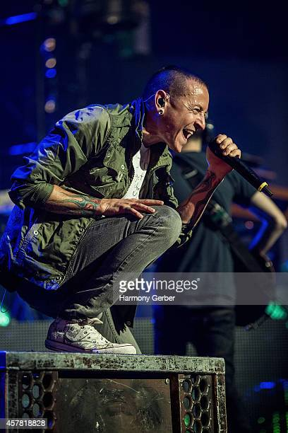 Musician Chester Bennington of Linkin Park performs at The Wiltern for Guitar Center's 50th Anniversary on October 24 2014 in Los Angeles California