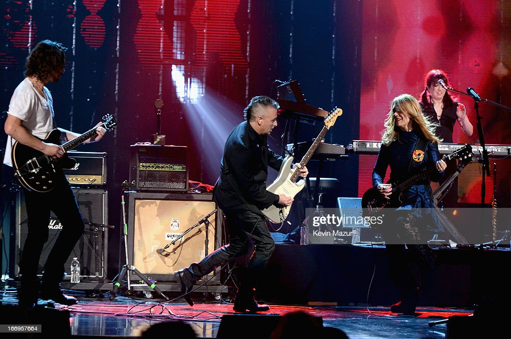 Musician Chris Cornell musician Mike McCready inductee Nancy Wilson and keyboardist Debby Shair peform onstage during the 28th Annual Rock and Roll...