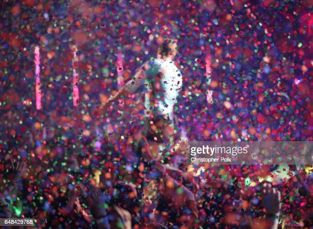 Musician Chris Martin performs onstage at the 2017 iHeartRadio Music Awards which broadcast live on Turner's TBS TNT and truTV at The Forum on March...
