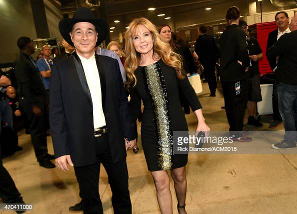 Actress lisa hartman stock photos and pictures getty images for Clint black married to lisa hartman