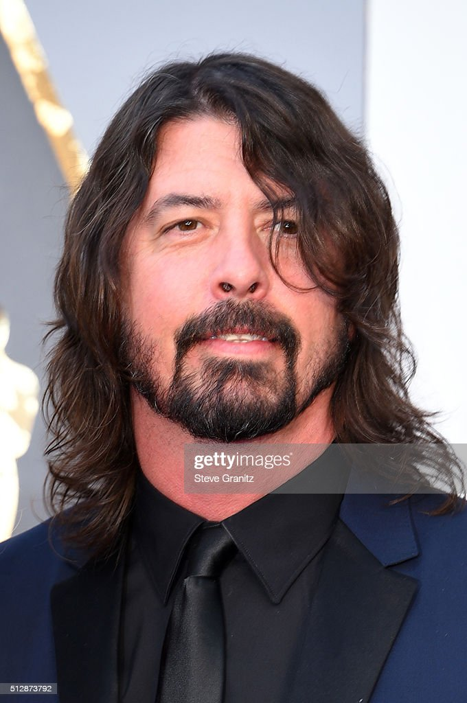 Musician <a gi-track='captionPersonalityLinkClicked' href=/galleries/search?phrase=Dave+Grohl&family=editorial&specificpeople=202539 ng-click='$event.stopPropagation()'>Dave Grohl</a> attends the 88th Annual Academy Awards at Hollywood & Highland Center on February 28, 2016 in Hollywood, California.