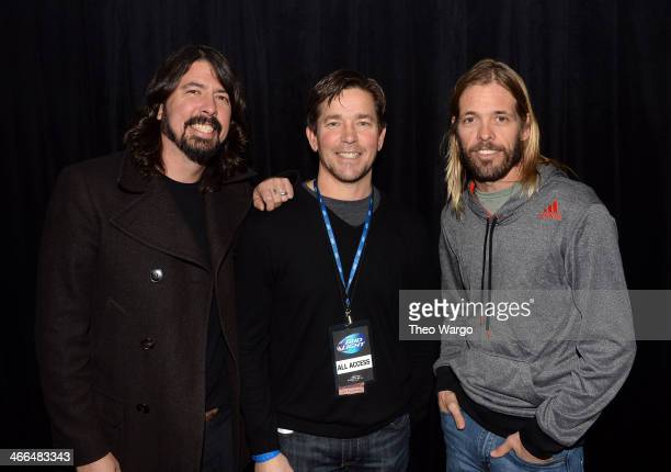 Musician Dave Grohl Senior Manager of Entertainment Marketing AnheuserBusch Jeff Sahm and musician Taylor Hawkins attend the Bud Light Main Event...