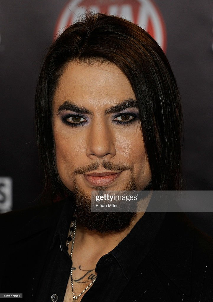 Musician Dave Navarro arrives at the 27th annual Adult Video News Awards Show at the Palms Casino Resort January 9, 2010 in Las Vegas, Nevada.