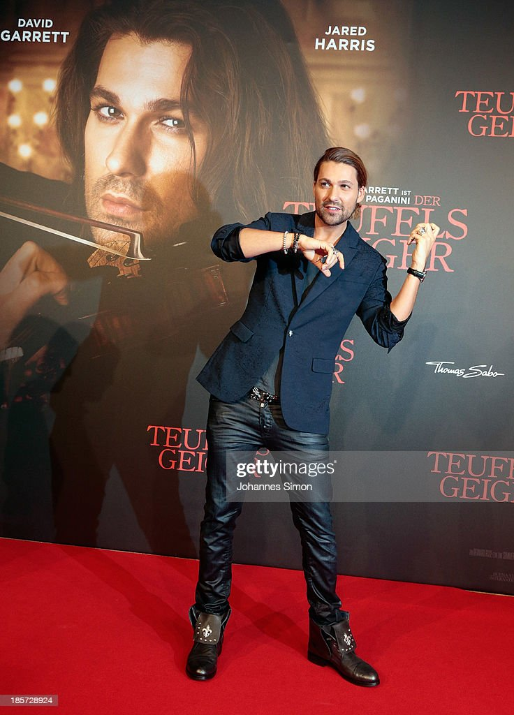 Musician <a gi-track='captionPersonalityLinkClicked' href=/galleries/search?phrase=David+Garrett&family=editorial&specificpeople=4603343 ng-click='$event.stopPropagation()'>David Garrett</a> arrives for the 'Der Teufelsgeiger' Premiere on October 24, 2013 in Munich, Germany.