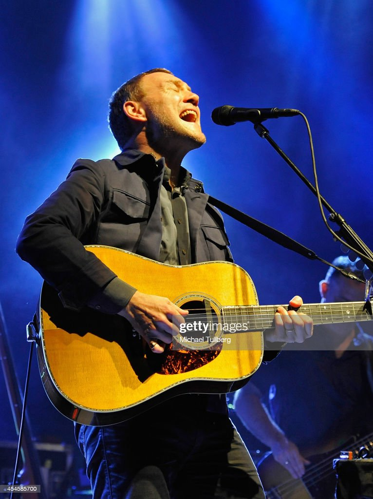 Musician <a gi-track='captionPersonalityLinkClicked' href=/galleries/search?phrase=David+Gray+-+Musician&family=editorial&specificpeople=15711804 ng-click='$event.stopPropagation()'>David Gray</a> performs at The Greek Theatre on September 3, 2014 in Los Angeles, California.