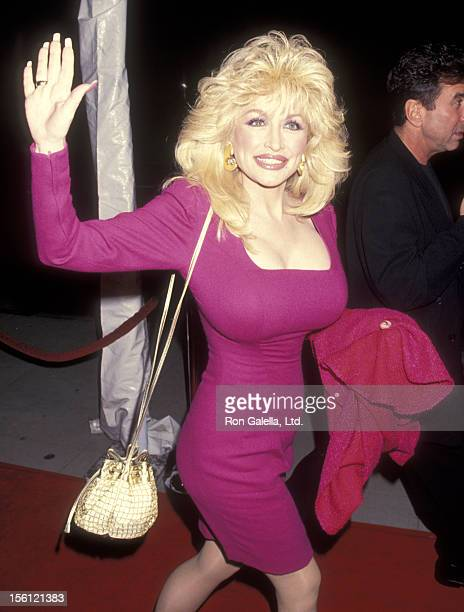 Musician Dolly Parton attends the 'Mrs Doubtfire' Beverly Hills Premiere on November 22 1993 at Academy Theatre in Beverly Hills California