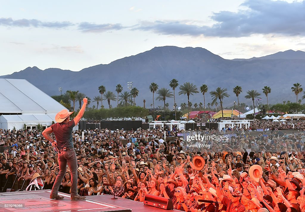Musician <a gi-track='captionPersonalityLinkClicked' href=/galleries/search?phrase=Dustin+Lynch&family=editorial&specificpeople=8612719 ng-click='$event.stopPropagation()'>Dustin Lynch</a> performs onstage during 2016 Stagecoach California's Country Music Festival at Empire Polo Club on May 01, 2016 in Indio, California.