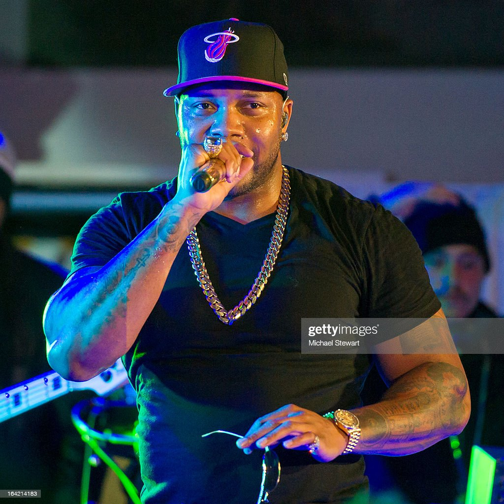 Musician Flo Rida performs during The Samsung Spring 2013 Launch at the Museum Of American Finance on March 20, 2013 in New York City.