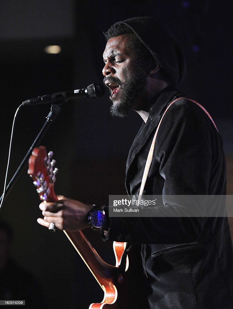 Musician <a gi-track='captionPersonalityLinkClicked' href=/galleries/search?phrase=Gary+Clark+Jr.&family=editorial&specificpeople=4495733 ng-click='$event.stopPropagation()'>Gary Clark Jr.</a> performs during An Evening With <a gi-track='captionPersonalityLinkClicked' href=/galleries/search?phrase=Gary+Clark+Jr.&family=editorial&specificpeople=4495733 ng-click='$event.stopPropagation()'>Gary Clark Jr.</a> at The GRAMMY Museum on September 30, 2013 in Los Angeles, California.