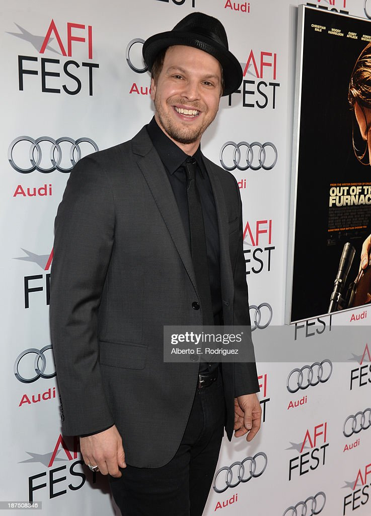 Musician <a gi-track='captionPersonalityLinkClicked' href=/galleries/search?phrase=Gavin+DeGraw&family=editorial&specificpeople=203282 ng-click='$event.stopPropagation()'>Gavin DeGraw</a> (L) attends the screening of 'Out of the Furnace' during AFI FEST 2013 presented by Audi at TCL Chinese Theatre on November 9, 2013 in Hollywood, California.