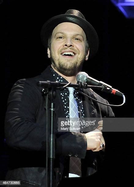 Musician Gavin DeGraw performs at 'A Song Is Born' the 16th Annual GRAMMY Foundation Legacy Concert held at the Wilshire Ebell Theater on January 23...