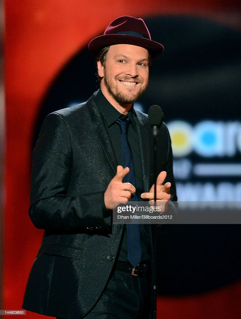 Musician <a gi-track='captionPersonalityLinkClicked' href=/galleries/search?phrase=Gavin+DeGraw&family=editorial&specificpeople=203282 ng-click='$event.stopPropagation()'>Gavin DeGraw</a> speaks onstage at the 2012 Billboard Music Awards held at the MGM Grand Garden Arena on May 20, 2012 in Las Vegas, Nevada.