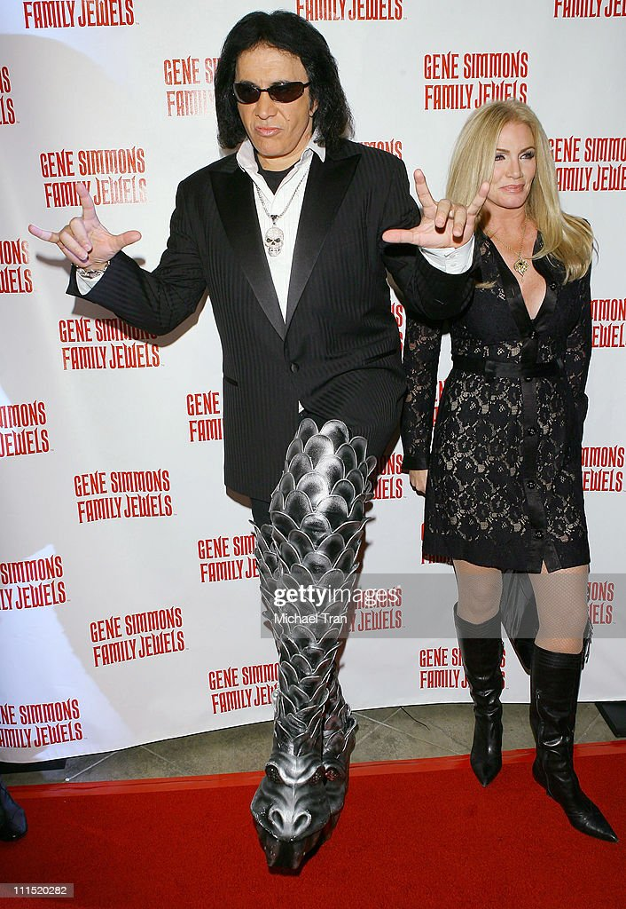gene simmons family 2015. musician gene simmons and actress shannon tweed arrives at the roast held family 2015