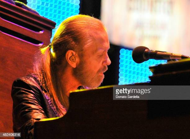Musician Gregg Allman performs onstage at The Annenberg Foundation and KCRW's 'Country In The City' featuring Gregg Allman and Sturgill Simpson at...